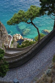 Capri, Italy ☮ re-pinned by http://www.wfpblogs.com/author/southfloridah2o/