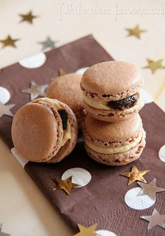 Philo aux fourneaux: Macarons au chocolat garnis au foie gras & aux figues Macaroon Recipes, Macarons, French Pastries, Brownie Bar, Cookie Desserts, Sweet And Salty, Sweet Tooth, Sweet Treats, Gourmet