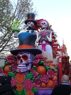 DIA De Los Muertos Parade float ideas | The Dia de los Muertos float is a new addition to the parade and it ...
