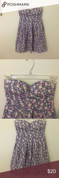Pretty Floral Strapless Dress Made by Feathers. So adorable! Small rips in the seaming but still looks great :) Feathers Dresses Strapless