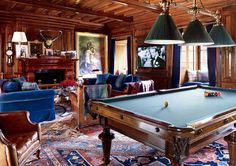 Plaid is the way to go in this billiard room! What do you guys think? #homedecor #plaid