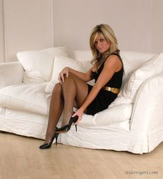 Blondes in nylons