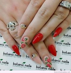 Botanic nails nude, red and flowers