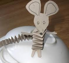 You still need a last minute Christmas present? No problem! For the happy holiday mood, I wanted to Animal Sculptures, Sculpture Art, Activities For Kids, Crafts For Kids, Mouse Paint, Art Projects, Projects To Try, Holiday Mood, Paper Crafts