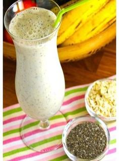 Licuado de banana avena y semillas de chía Healthy Juices, Healthy Smoothies, Healthy Drinks, Healthy Tips, Healthy Eating, Smoothie Drinks, Smoothie Recipes, Vegan Recipes, Cooking Recipes