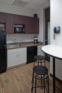 Contemporary breakroom for a better employee experience.
