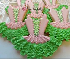 Pretty dance dress cookies.  Love the use of a leaf tip for the ruffles.