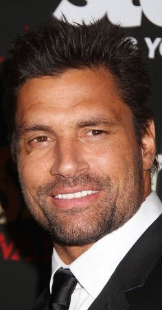 Pictures & Photos of Manu Bennett - IMDb