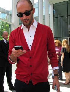 How can someone possibly look sooo good wearing the most basic outfit! Only Milan Vukmirovic can. Weekly Outfits, Basic Outfits, Sharp Dressed Man, Well Dressed Men, Red Shirt Dress, Men Dress, Dress Pants, Red Cardigan Sweater, Men Sweater