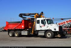 CN 173330 2013 Freightliner Hyrail Dump Truck, May Canadian National Railway, Train Pictures, Rolling Stock, Dump Truck, Commercial Vehicle, Heavy Equipment, Train Station, Diesel, Trucks