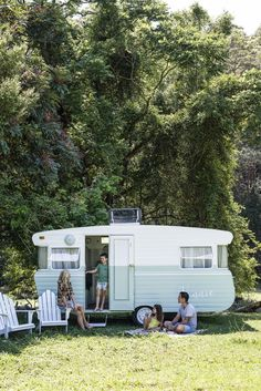 Beautiful Vintage Viscount Caravan Ideas With Boho Interior, The caravan needs to be levelled on a set firm surface. If you own a caravan that you're seeking to sell talk to us about finding the most suitable bu. Vintage Rv, Vintage Caravans, Vintage Vans, Vintage Trailers, Vintage Campers, Vintage Motorhome, Vintage Airstream, Vintage Holiday, Vintage Travel