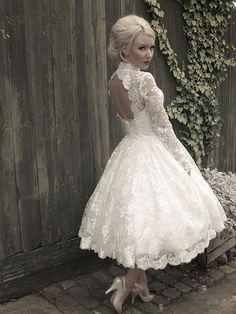 Designer wedding gowns | Ian Stuart | Enzoani lovely lace 50's style L x