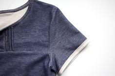 """Ähnliche ArtikelDIY – {5-Minuten-Brusttasche selber nähen…}kleine Nähschule – {Wie kommt der Schnitt auf den Stoff – Teil 3: Schnitt aufzeichnen und kleiner Hilfsmittelkatalog}kleine Nähschule – {Wie kommt der Schnitt auf den Stoff – Teil 4: Schnittteil ausschneiden und """"knipsen""""}Patternhack MAILAND – {Aus Shirt wird Kleid in 3 Schritten}Nähtipp – {2 Varianten eine Wendeöffnung zu schließen}"""