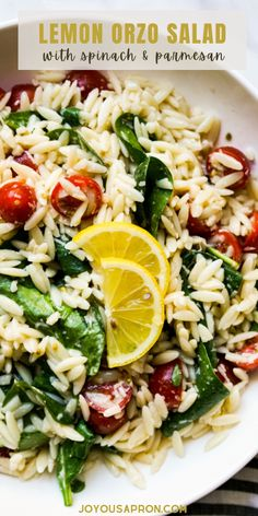 Lemon Orzo Salad - healthy, yummy and easy orzo pasta side dish tossed with spinach, tomatoes, parmesan in lemon juice. great for summer cookouts, or a quick and easy dinner or lunch! Vegetarian. Lemon Orzo Salad, Orzo Spinach, Orzo Salad Recipes, Side Salad Recipes, Easy Pasta Salad, Easy Salads, Summer Salads, Picnic Side Dishes, Pasta Side Dishes