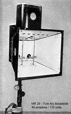 Projecteur à arcs jumeaux Mole-Richardson 40 A - 110 V (vers 1934)