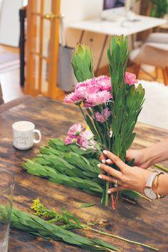 arranging flowers, flower arrangements at home
