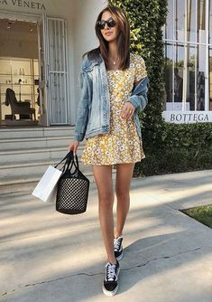 Great outfit ideas for late spring/early summer. Enjoy this wonderful time of year in your best outfits – check these ideas for inspiration! Dress With Converse, Dress And Sneakers Outfit, Dresses With Vans, Cute Dresses, Vans Outfit, Fashion Now, Fashion Outfits, Womens Fashion, Cute Casual Outfits