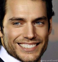 Henry Cavill is the most beautiful man in the world! Most Beautiful Man, Gorgeous Men, Beautiful People, Stunning Eyes, Superman, Beautiful Celebrities, Male Celebrities, Celebs, Henry Cavill