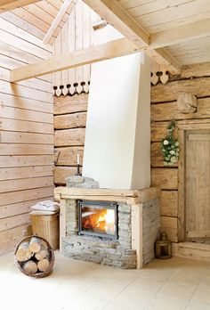 Wooden house, agroturism; Lutowiska, Bieszczady / Poland