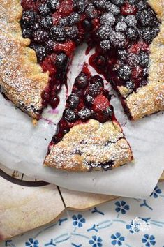 GALETTE DE FRUTOS ROJOS   Con Harina en Mis Zapatos Sweet Cooking, Cooking Time, Kiss The Cook, Sweet Cakes, Sin Gluten, Fall Recipes, Delish, Food Photography, Bakery