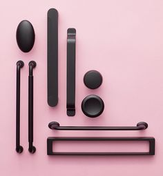 Our black colour range here presented with both handles and knobs ♥ #furnipart