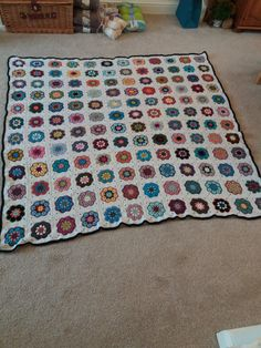 African Flower Square Blanket 2018 African Flowers, Square Blanket, Kids Rugs, Crochet, Instagram Posts, Blog, Home Decor, Decoration Home, Kid Friendly Rugs
