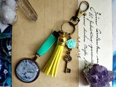 Breloczek z kotem, żółto-turkusowy - Victorian----rose - Breloki do kluczy