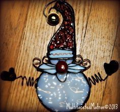 Jiggle It Santa Ornament - Black patina...Made for Xmas. Another good glass pendant idea.