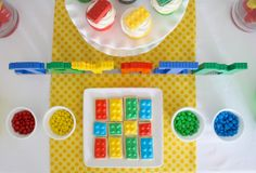 cute and simple Lego party