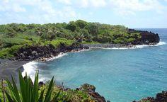 Maui, Hawaii – Black Sand Beach Near Road to Hana