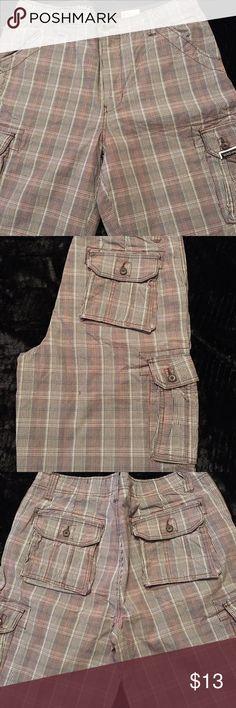 Men's Plaid Ecko Shorts, Size 36 Great condition, men's plaid shorts, Ecko size 36 Ecko Unlimited Shorts Cargo