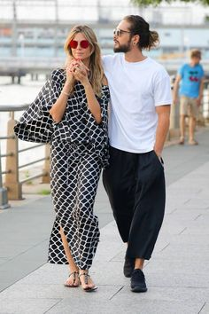Die Date-Looks der Stars At the moment it seems as if all dates of Heidi Klum and her Tom Kaulitz … Spring Street Style, Casual Street Style, Street Chic, Beauty And Fashion, Love Fashion, Womens Fashion, Couple Outfits, Casual Outfits, Fashion Outfits