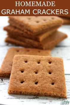 Graham cracker lovers will rejoice in these delicious Homemade Graham Crackers! These yummy cinnamon-y crunchy crackers are easy to make and perfect for snacks, desserts, and even pie crust! Yummy Cookies, Yummy Treats, Sweet Treats, Yummy Food, Homemade Cookies, Bar Cookies, Graham Cracker Recipes, Homemade Graham Crackers, Grahm Crackers
