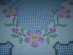 0a3ea8c6a94e3bee757ac2e43353192b_1540837101_491109 Chicken Scratch Patterns, Chicken Scratch Embroidery, Diy Arts And Crafts, Hobbies And Crafts, Handmade Crafts, Cross Stitch Borders, Cross Stitching, Ribbon Embroidery, Embroidery Stitches