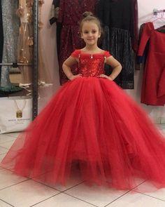 """Mi piace"": 140, commenti: 1 - @holtaramadanioffical su Instagram: ""#dress by @holtaramadani"""