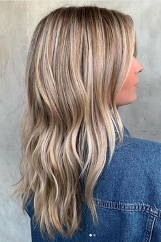 Multi-Dimensional Color | These cold and dreary months might fool you into keeping your hair monotone. Fight the urge! Master this look with both highlights and lowlights, no matter if blonde or brunette. #winter #hair #trends #2019 #southernliving Blonde Hair With Highlights, Brown Blonde Hair, Hair Color Balayage, Blonde Color, Winter Blonde Hair, Black Hair, Sandy Blonde, Blonde Pixie, Winter Hair Colour For Blondes