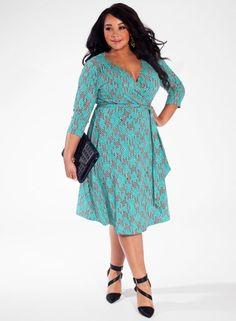 Damenkleider in großen Größen mit farbigen Mustern