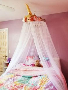 27 unicorn room ideas bedrooms little girls Bedroom Decoration unicorn bedroom decor Girl Bedroom Designs, Room Ideas Bedroom, Rooms Home Decor, Bedroom Crafts, Small Room Bedroom, Trendy Bedroom, Small Rooms, Unicorn Bedroom Decor, Unicorn Rooms
