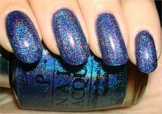 This is one of my favourite holos to wear. It's from the old OPI Designer Series collection.