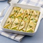 Cannelloni with vegetables Italian Dishes, Italian Recipes, Crespelle Recipe, Healthy Cooking, Cooking Recipes, Pasta Types, Slow Food, Food Humor, I Love Food