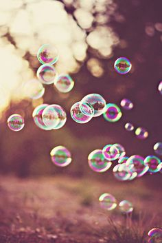 What if I got married in a bubble? A big one? Like I walk up the aisle and there& this badass bubble wand that makes like a crystalline wedding arch? my plan is FLAWLESS I& telling you Blowing Bubbles, Just Dream, Foto Art, Jolie Photo, Summer Of Love, Pretty Pictures, Art Photography, Balloons, Artsy
