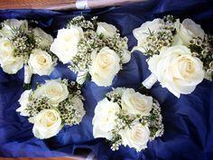 roses/waxflower
