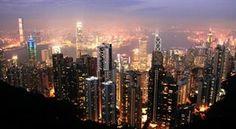 HONGKONG. Utsikten från The Peak - den klassiska vinkeln på många vykort från Hongkong.
