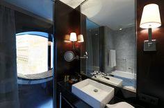 Modern New Hotel in Vienna: New Black Houses Bath Design Of Hotel Topazz By BWM Architekten Und Partner With White Sink Bathroom Design Luxury, Bath Design, Bathroom Interior, Home Interior Design, Exterior Design, Design Hotel, Central Building, Vienna Hotel, Hotel Architecture