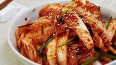 칼국수와 찰떡궁합! 배추겉절이 맛있게 담그는법 여름철 바로 담궈서 먹을 수 있는 김치 중 하나가 바로 배추겉절이에요. 칼국수집에 가면 이 김치 맛으로 먹기도 하는데요 ㅎ 밥과 함께 먹어도 정말 잘 어울리는.. Korean Dishes, Korean Food, Asian Recipes, Ethnic Recipes, Asian Foods, K Food, Kimchi, Japchae, Bacon