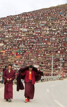 Gar, Sichuan, Chengdu, China - The world's largest buddhist institute.