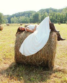 Country wedding photo idea.
