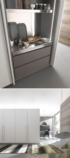 Concealed workspace. Modulnova Fly pocket door system. #DesignSpace #InteriorDesign #ItalianDesign #Modulnova #ModulnovaFly #Design