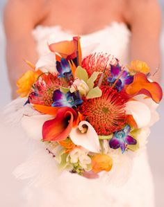 Perfect for our wedding colors navy & coral.... I want this for my bouquet in Hawaii !!!!!!!!!!