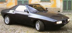 Alfa Romeo Zeta 6, concept car by Zagato based on GTV6. Only two were build, a third was never finished. The third one is now build up by Jan Steutel in The Netherlands. I have seen it for myself this weekend :-)